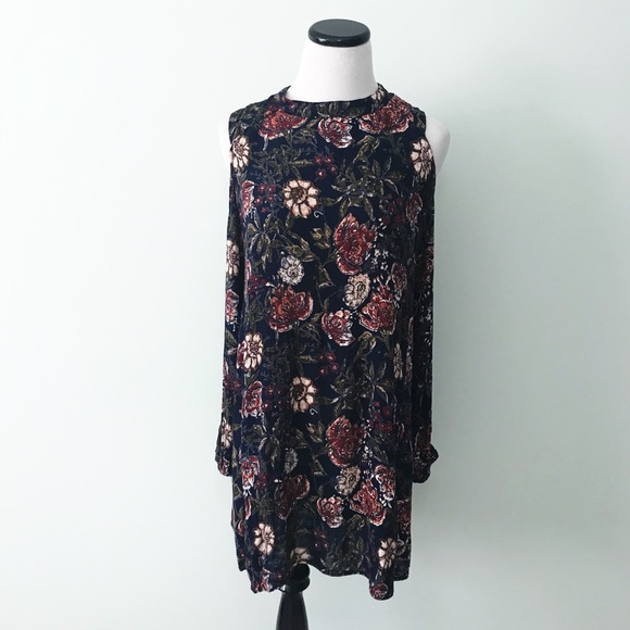 1fa176ed560dff Angie Dresses   Skirts - ❤ 3  30 ANGIE Floral Cold shoulder Tunic Dress